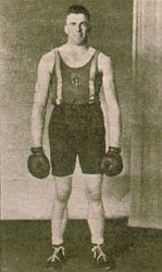Kiwi as a heavyweight boxer in New Zealand